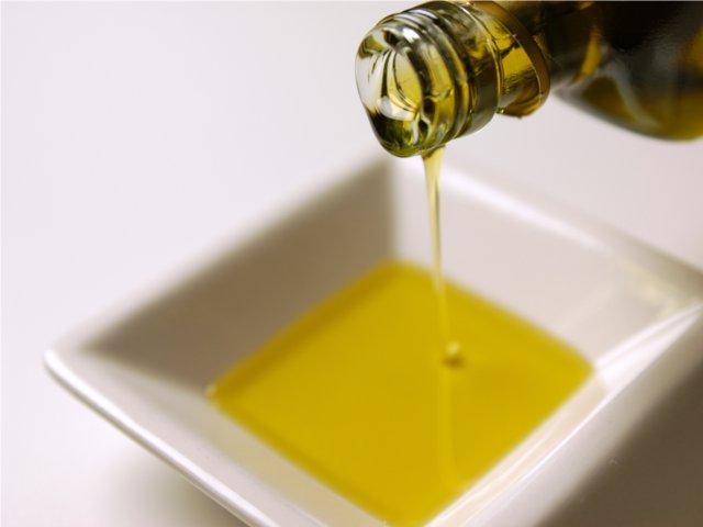 白トリュフ風味オリーブオイル
